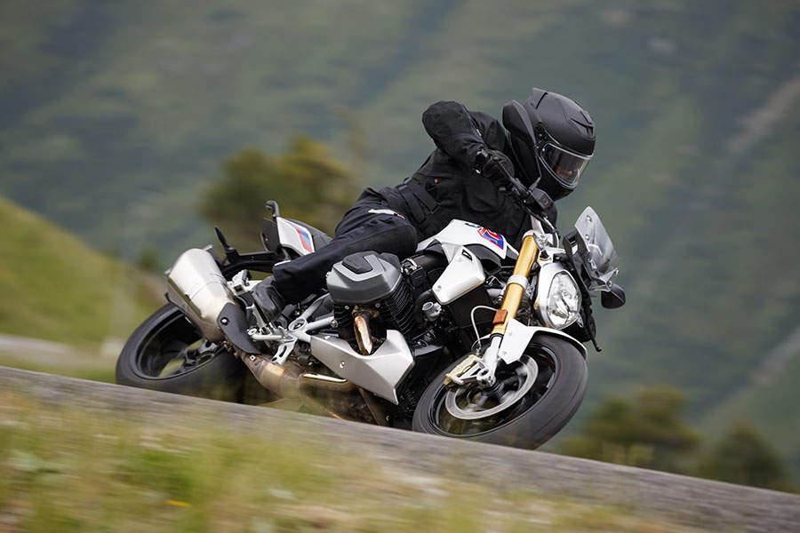 Viaje en moto en verano